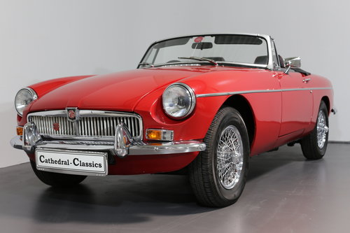 1977 A pampered and cherished MG B Roadster UPC490S SOLD (picture 1 of 6)