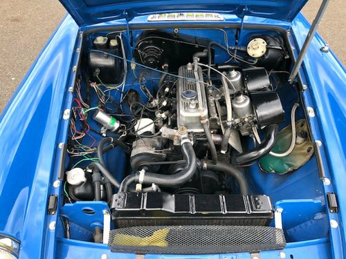 1975 MGB Roadster Manual with Overdrive SOLD (picture 5 of 6)