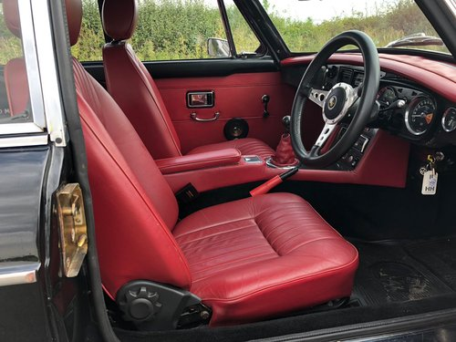 1974 MGB GT Manual with Overdrive SOLD (picture 5 of 6)