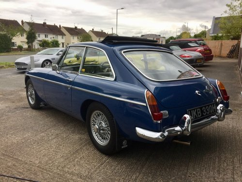 1969 MGB GT 1.8 with Webesto Sun roof For Sale (picture 2 of 5)