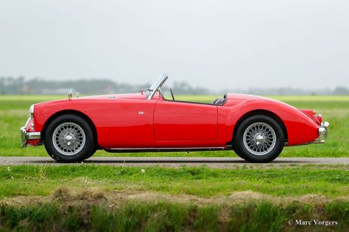 1959 MGA 1600 ROADSTER TOP RESTORED CONDITION SOLD (picture 2 of 6)