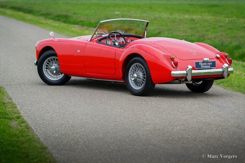 1959 MGA 1600 ROADSTER TOP RESTORED CONDITION SOLD (picture 4 of 6)
