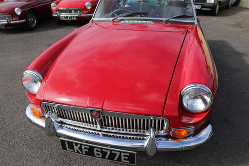 1967 MGB HERITAGE SHELL, Tartan red SOLD (picture 2 of 6)