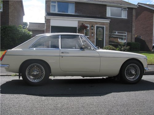 1969 MG MGC GT For Sale (picture 1 of 2)