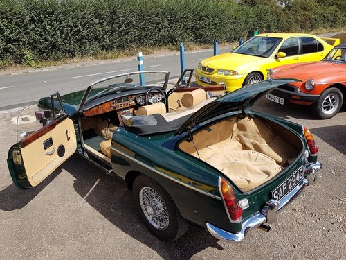 1969 MGB Roadster British Racing Green. Previously Restored  SOLD (picture 5 of 6)