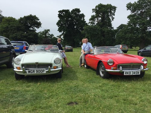 1974 CLASSIC MGB TOURER  For Hire (picture 1 of 6)