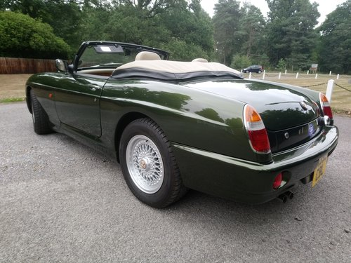 1995 MG RV8 Exceptional Condition SOLD (picture 4 of 6)