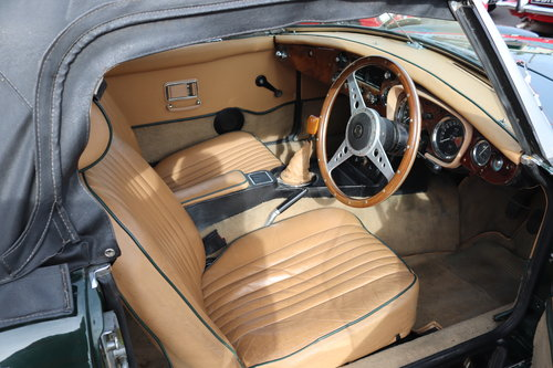 1972 MGB Roadster,HERITAGE SHELL in BRG For Sale (picture 2 of 5)