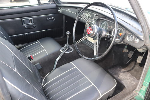 1969 MGB GT Mk2, rare model SOLD (picture 3 of 6)
