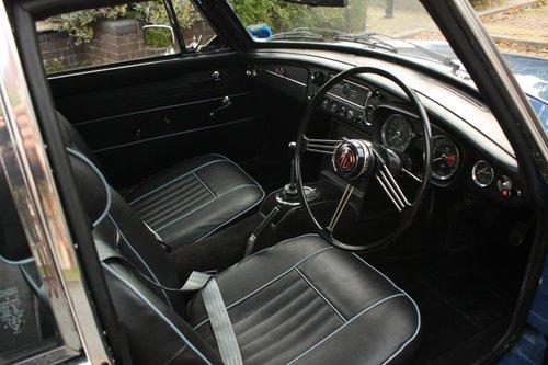 1967 MGB GT Mk1 - Mineral Blue, Restored - MGBGT MG BGT SOLD (picture 3 of 6)