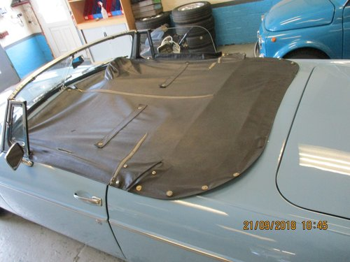1965 Iris Blue MG B Roadster For Sale (picture 5 of 5)