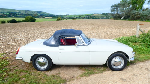 1964 MGB Roadster Fully restored  SOLD (picture 1 of 6)