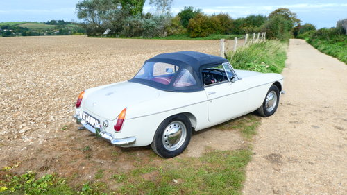 1964 MGB Roadster Fully restored  SOLD (picture 2 of 6)