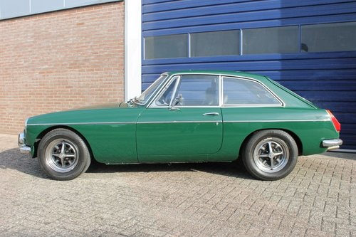 MGB GT 1973 - British Racing Green - Overdrive - LHD For Sale (picture 2 of 6)