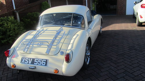 1958 MGA coupe 1500cc FOR SALE NEW PRICE £28000 ONO  For Sale (picture 2 of 6)