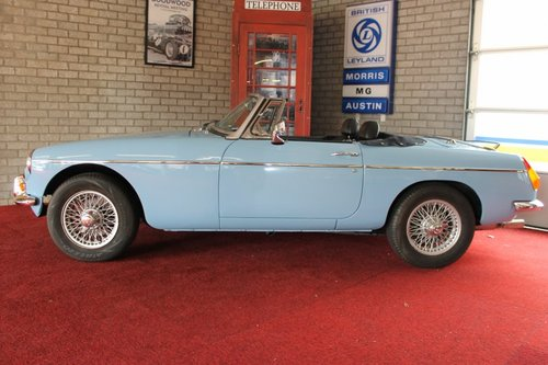 1974 MGB Roadster - Iris Blue - LHD For Sale (picture 2 of 6)