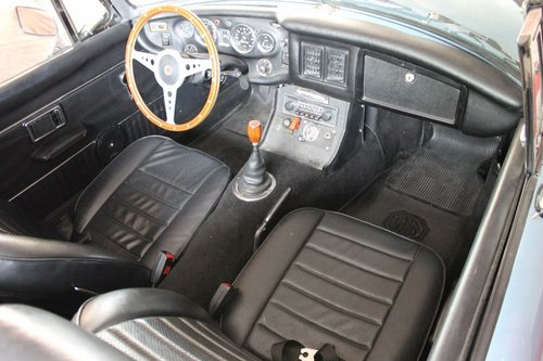 1974 MGB Roadster - Iris Blue - LHD For Sale (picture 4 of 6)