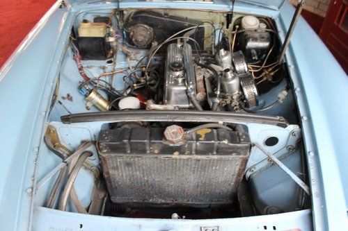 1974 MGB Roadster - Iris Blue - LHD For Sale (picture 5 of 6)