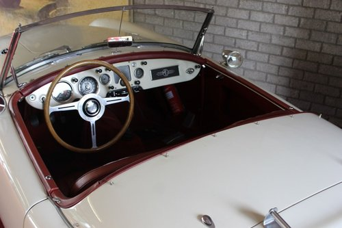 Beautiful MGA MKI - old english white - LHD For Sale (picture 4 of 6)