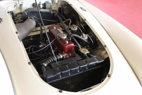 Beautiful MGA MKI - old english white - LHD For Sale (picture 5 of 6)
