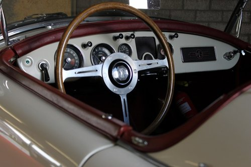 Beautiful MGA MKI - old english white - LHD For Sale (picture 6 of 6)