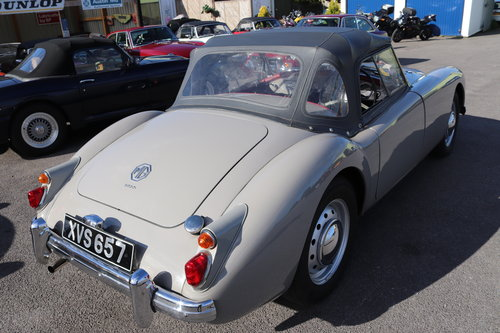 1959 MGA 1600 MK1 Roadster in Dove Grey SOLD (picture 3 of 6)