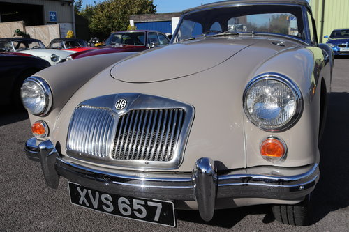 1959 MGA 1600 MK1 Roadster in Dove Grey SOLD (picture 4 of 6)