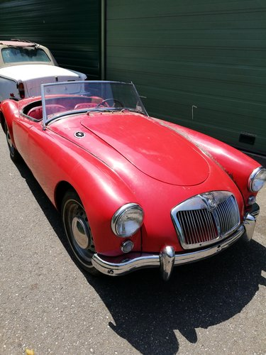 1958 MGA Roadster Restoration object SOLD (picture 1 of 6)