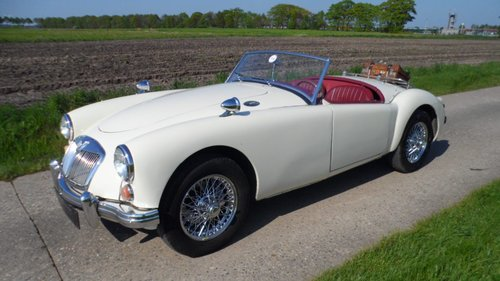 MGA Roadster MKI 1960 SOLD (picture 3 of 5)