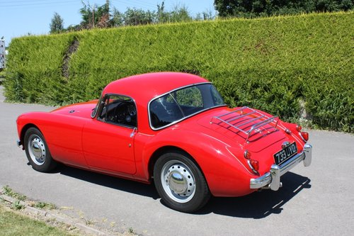 1961 MGA 1600 FHC - full restoration throughout. For Sale (picture 4 of 6)
