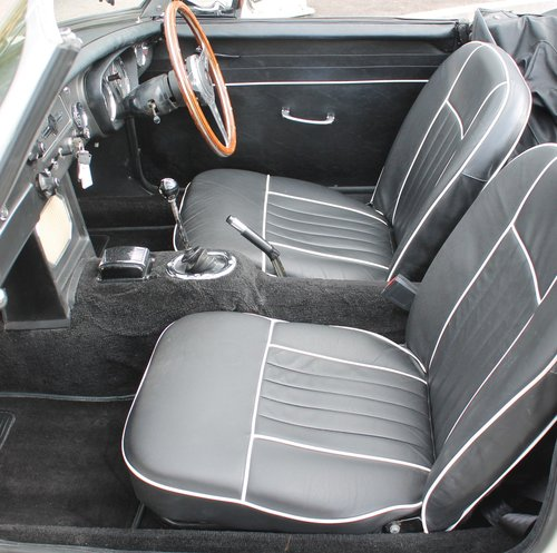 1964 MGB Roadster Early Pull Handle Example With Overdrive   SOLD (picture 5 of 6)