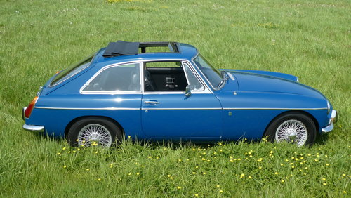 1972 MGB GT Series 2  SOLD (picture 2 of 6)