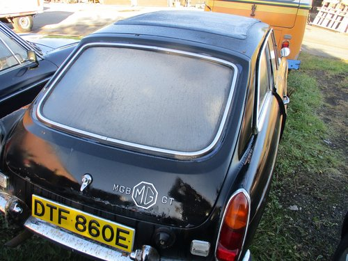 1967 MG B GT For restoration For Sale (picture 2 of 2)