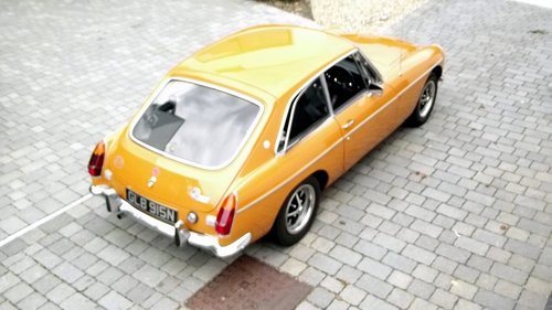 1974 MGB GT SPORTS COUPE (chrome bumper, MOT & Tax exempt) SOLD (picture 2 of 6)