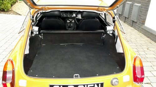 1974 MGB GT SPORTS COUPE (chrome bumper, MOT & Tax exempt) SOLD (picture 6 of 6)