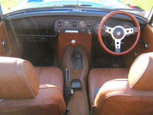 1978 MG MIDGET 1500 IN PAGEANT BLUE. RESTORED AND NEW ENGINE SOLD (picture 5 of 6)
