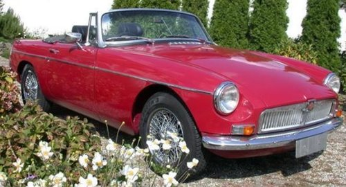 1966 OLDER BUT FULLY RESTORED MGB - ALL DOCUMENTED SOLD (picture 1 of 6)