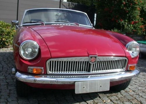 1966 OLDER BUT FULLY RESTORED MGB - ALL DOCUMENTED SOLD (picture 3 of 6)