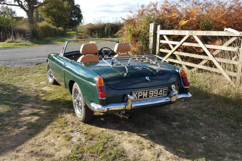 MGB Hire | rent an MGB Roadster in the Cotswolds| self-drive For Hire (picture 2 of 3)