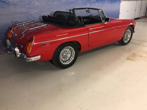1971 MG B 1.8 Roadster SOLD (picture 2 of 6)