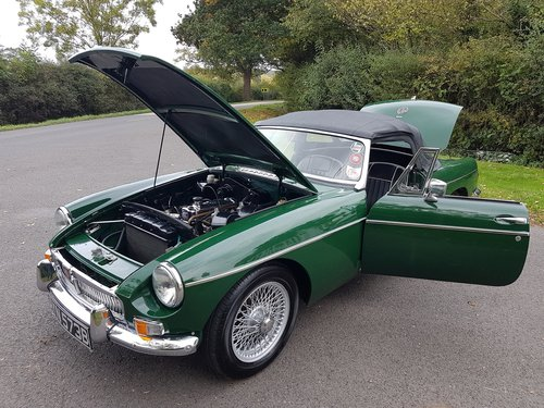 1964 MGB Roadster, Heritage Shell Restoration, Beautiful For Sale (picture 4 of 6)