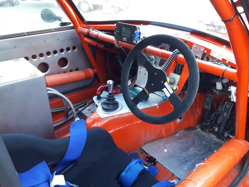 1973 MGB GT V8 5.3L Race Car For Sale (picture 2 of 6)