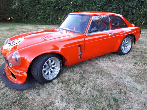 1973 MGB GT V8 5.3L Race Car For Sale (picture 4 of 6)