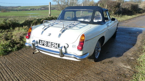 1969 Mgb Roadster with Heritage shell  SOLD (picture 3 of 6)