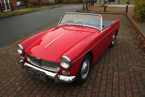 1963 MG Midget Mk1 - 1098cc - Tartan Red - Fully restored! SOLD (picture 2 of 6)
