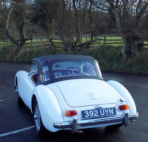 1962 MGA 1600 MK II Roadster  SOLD (picture 4 of 6)