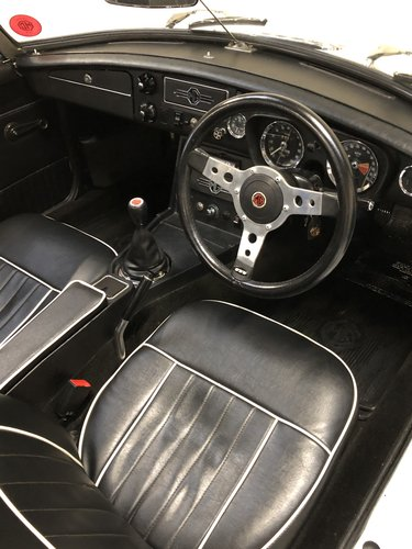 1973 absolutely stunning mgb roadster - fully rebuilt in '88  SOLD (picture 5 of 6)