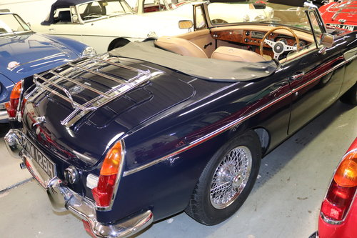1970 MGB HERITAGE SHELL IN MIDNIGHT BLUE SOLD (picture 2 of 5)