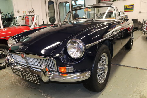 1970 MGB HERITAGE SHELL IN MIDNIGHT BLUE SOLD (picture 4 of 5)