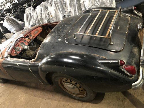 MGA 1960 barn find SOLD (picture 3 of 6)